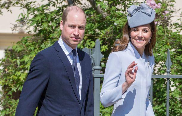 Cambridgen herttuaparilla Williamilla ja Katella on kolme lasta.