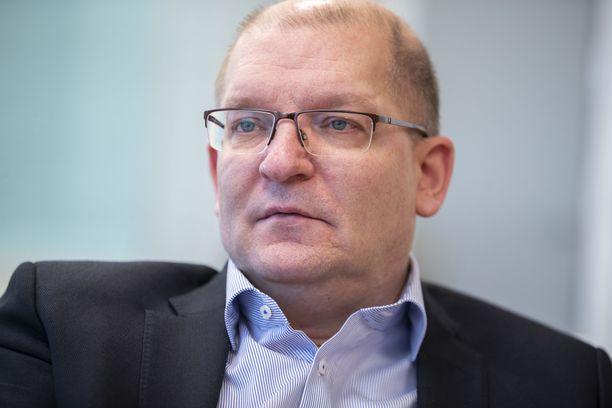 Teollisuusliiton puheenjohtaja Riku Aalto kertoo, että keskusteluyhteys hallituksen kanssa on nyt auki.