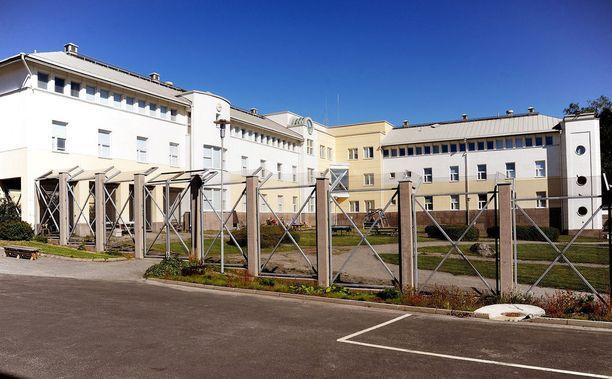 Syytetty määrättiin vasten tahtoaan mielentilatutkimukseen. Kuvassa Vanhan Vaasan sairaala, jossa tutkimuksia tehdään.