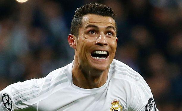 Cristiano Ronaldon huhutaan seurustelevan Barcelona-kannattajan kanssa.