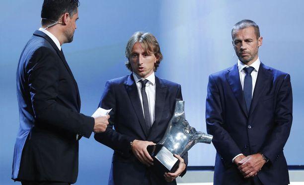 Luka Modric valittiin Uefan vuoden pelaajaksi.