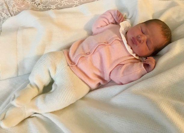 Hovin tiedottaja Margareta Thorgren kertoo Aftonbladetille koko perheen voivan oikein hyvin.- Prinsessa Madeleine ja vauva voivat oikein hyvin ja koko perhe on tietysti todella kiitollinen ja onnellinen uudesta perheenjäsenestä, hovi tiedotti perjantaina.