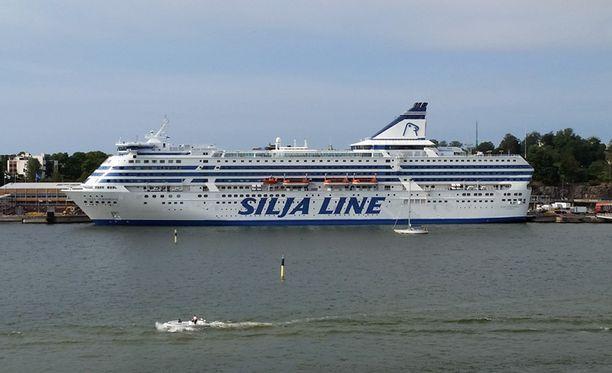Silja Symphony Helsingin satamassa. Arkistokuva.