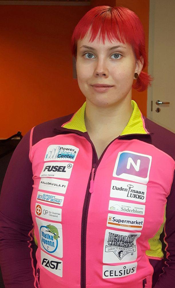 Susanna Törrönen tekee kovaa jälkeä raakapenkissä.