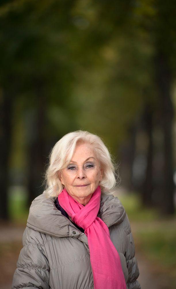 Seela Sella poseerasi Iltalehdelle vuonna 2013.