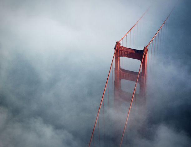 Kun näkyvyys on huono, sillan sumutorvet laitetaan soimaan.