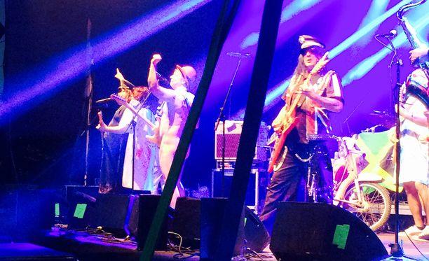 Eppu Salminen esiintyi ilkosillaan lavalla Lappeenrannassa viikonloppuna.