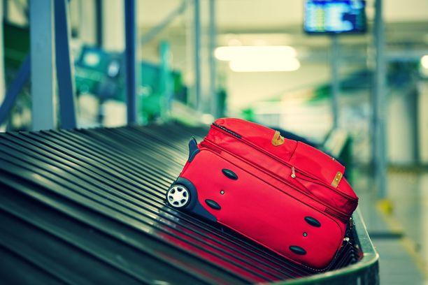 Kuinka toimia, jos omaa laukkua ei kuulu listalta? Täytä korvaushakemus jo kentällä!