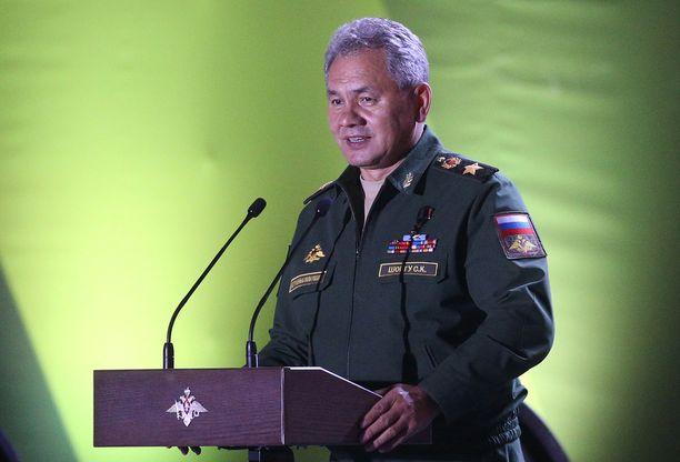 Venäjän puolustusministeri Sergei Šoigu ei ollut mielissään Naton toimista Baltian maissa.