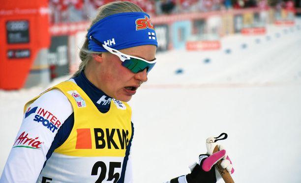 Hiihtäjä Anne Kyllönen on ajautunut kriisiin. Hän keskeytti Tour de Skin ja lähti kotimaahan. Urheilija on kilpailutauolla Vantaan SM-kisoihin asti.
