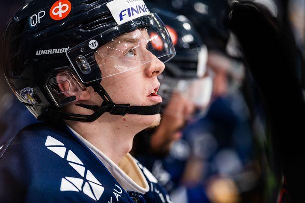 Toni Utunen kaatoi Kanadan nuorten MM-kisoissa vuosi sitten.