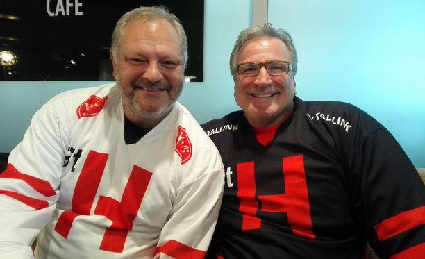 Esa Tikkanen ja Glenn Anderson juhlivat yhdessä viittä NHL:n mestaruutta.