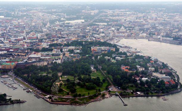 Suomen pääkaupunki hiljenee juhannuksen ajaksi.