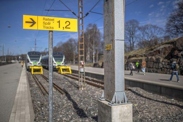 Junan sähkörakenteissa piilee valtava määrä sähköjännitettä, joka on ihmiselle hengenvaarallinen.