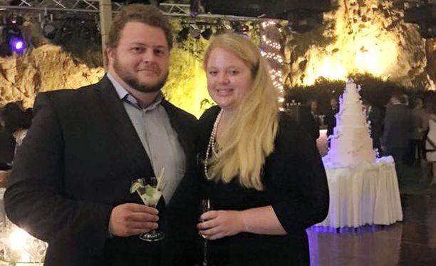 Avioliittonsa salassa pitäneet Alexander Pinczowski ja Cameron Cain kuvattuna Kreikassa vuonna 2015.