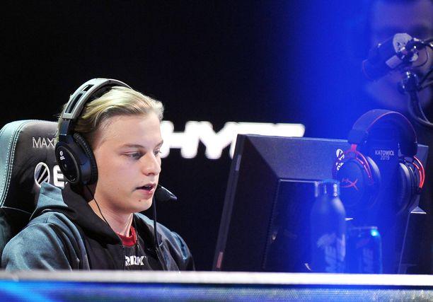 """Aleksi """"Aleksib"""" Virolainen jätti valtavan aukon ENCE:n joukkueeseen."""