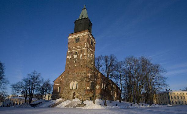 Turun ja Kaarinan seurakuntayhtymä ottaa osaa Earth Hour -tapahtumaan, minkä vuoksi Turun tuomiokirkon ja neljän muun kirkon valot sammuvat tänään klo 20.30 tunnin ajaksi.