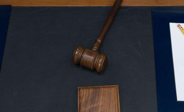Valamiehistön antama tuomio herätti kummastusta.