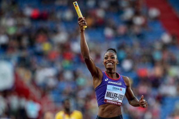 Shaunae Miller-Uibo sai nimiinsä maailmanennätyksen. Arkistokuva.