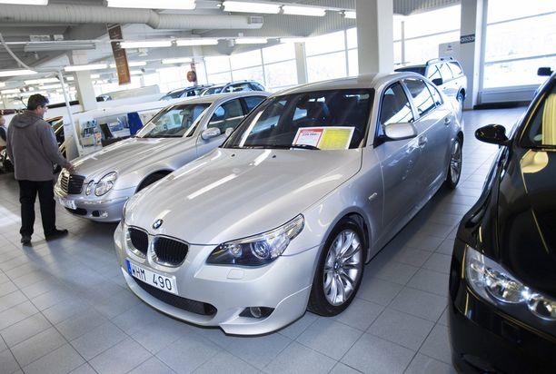 Ruotsista tuodaan enimmäkseen premiumdieseleitä BMW:tä, Mercedestä, Audia ja Volvoa.
