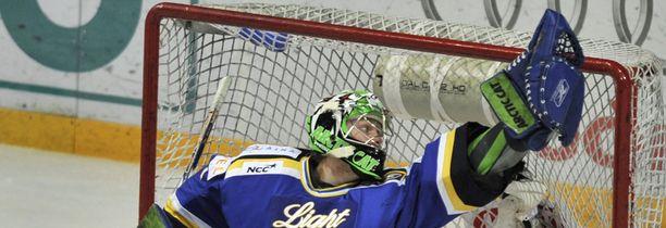 Entinen Blues-vahti Mikko Koskinen edustaa nyt KalPaa.