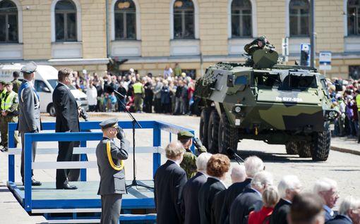 Ei paraatia tällä kertaa – korona vaikuttaa puolustusvoimien lippujuhlan juhlintaan