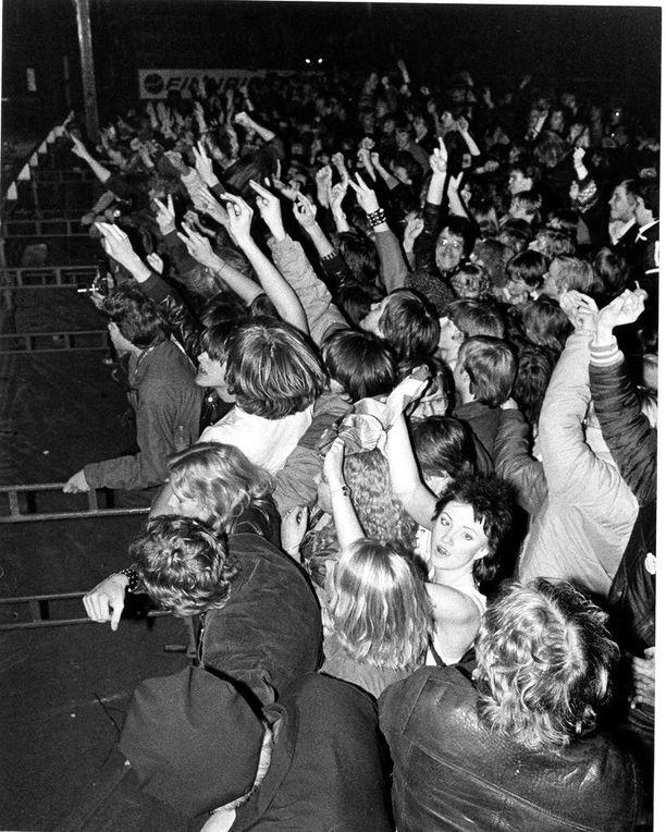 Vuonna 1981 hevibändi sai yleisön villiksi Helsingissä järjestetyssä konsertissa.
