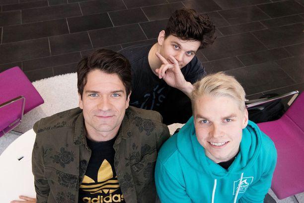 Jussi, Martin ja Matti valmiina matkaan.