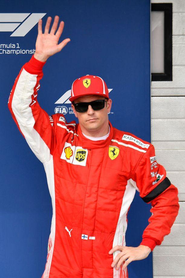 Kimi Räikkönen on F1-kauden MM-pisteissä kolmantena.