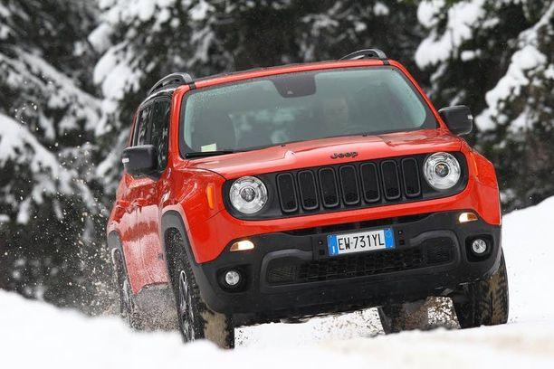 Jeepin uusi aluevaltaus etuvetoisten pienten katumaasturien markkinoille Renegade.