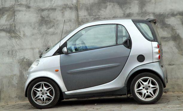 Virallisesti Smart on kaksipaikkainen auto.