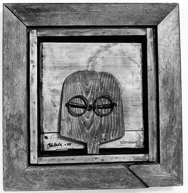Vuonna 1975 kulttuuri-Kekkonen taiteili Kimmo Pyykön ateljeessa omakuvansa leipälapiosta ja kuolaimista.