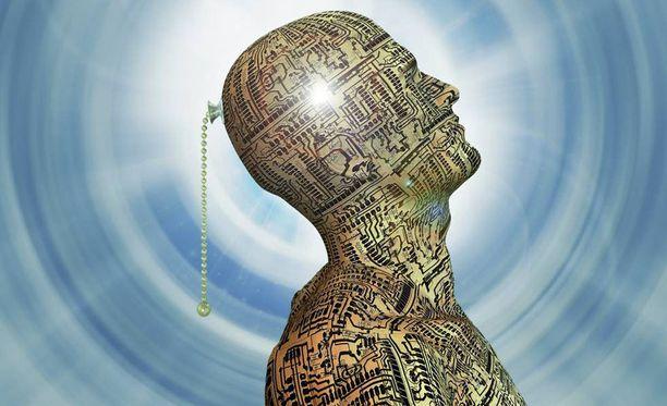 Ihmisen älyä ja kommunikointikykyä tarvitaan tulevaisuudessakin moniin töihin.