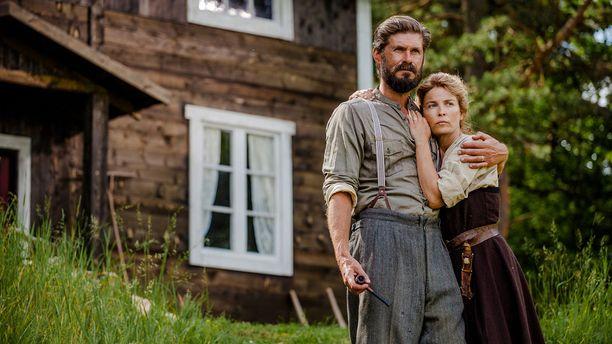 rina Björklund ja Tommi Korpela elokuvassa Ikitie.