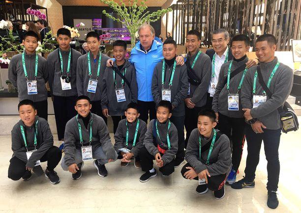 Thaimaalaiset jalkapallopojat selvisivät hyvin luolapiinasta.