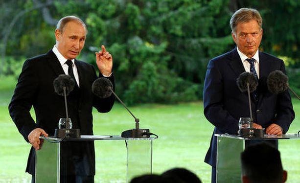 Nato kumosi Putinin väitteet, joita tämä esitti perjantaina Kultarannassa.