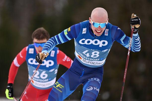 Kukaan ei varmuudella tiedä, minkä yhtiön jakeluteistä IIvo Niskasen hiihtoa voi ensi talvena katsella,