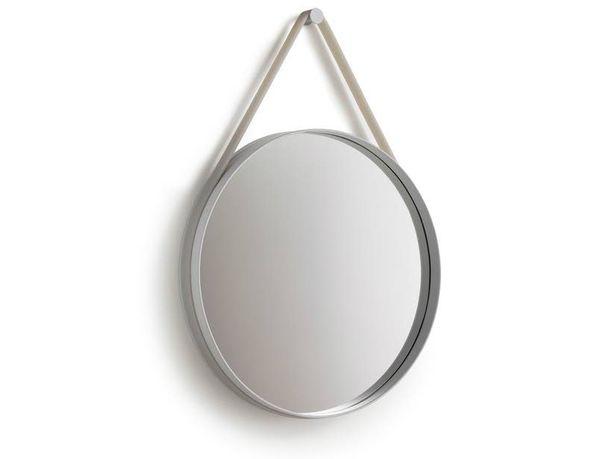 Hay Strap -peili on pyöreyttä parhaimmillaan.