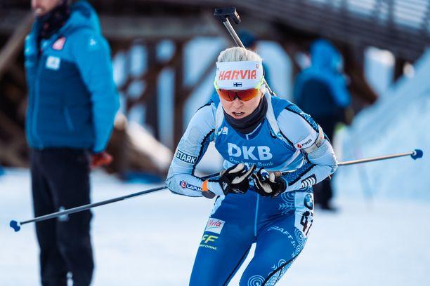 Mari Eder aloitti kilpailun varsin hyvin, mutta viimeisessä pystyammunnassa tuli ohilaukauksia.
