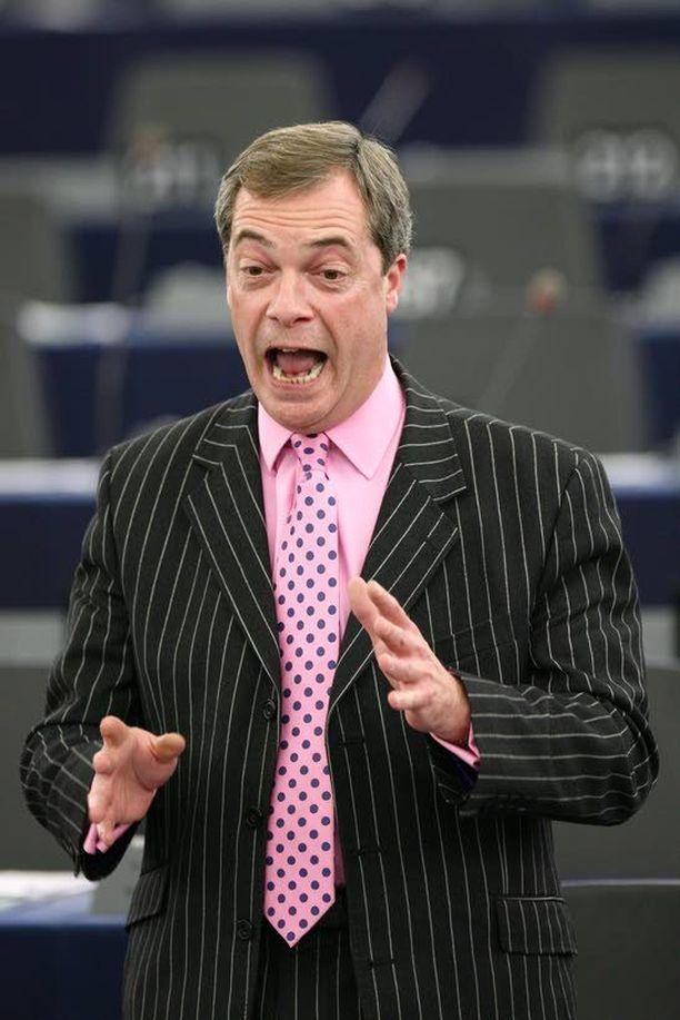 Nigel Farage on sulkenut pois yhteistyön Marine Le Penin kanssa, sillä Le Penin puolue Kansallinen rintama pitää Faragen mukaan sisällään syvälle juurtuneita juutalaisvastaisia elementtejä.