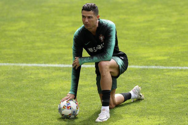 Cristiano Ronaldo valmistautuu tällä hetkellä Uefan Kansojen liigan välieräotteluun, jossa Portugali kohtaa Sveitsin tänään keskiviikkona Portossa.