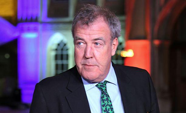 Tähtijuontaja Jeremy Clarkson on kantanut huolta F1-sarjan tilasta.