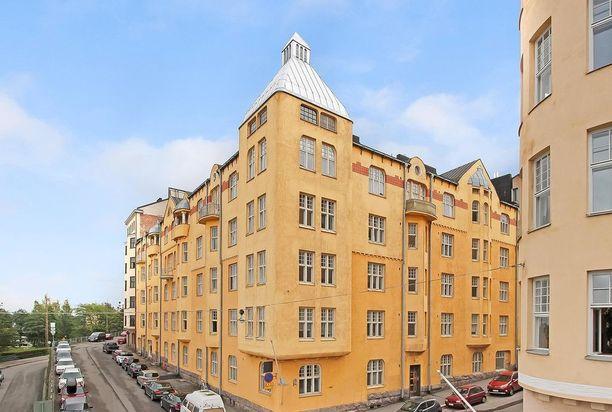 Kaikki eivät halua asua omakotitalossa. Tämä kaupunkikoti sijaitsee Helsingin Katajanokalla.