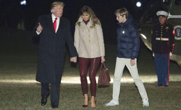 Donald, Ivanka ja Barron Trump.