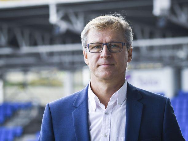 Markku Kanerva johdattaa Suomen miesten jalkapallomaajoukkueen ensimmäiseen EM-lopputurnaukseensa.