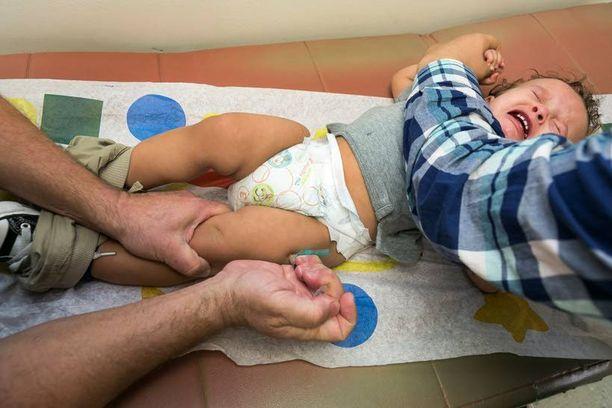 Yksivuotias Cameron Fierro sai rokotteen Kalifornian Northridgessa.