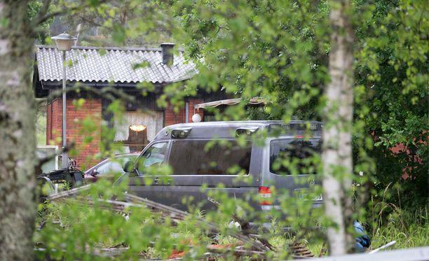 Poliisi kuoli asemiehen luotiin myöhään perjantai-iltana Vihdissä.