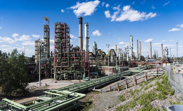 Nesteen Porvoon jalostamolla jalostetaan uusiutuvaa dieseliä.