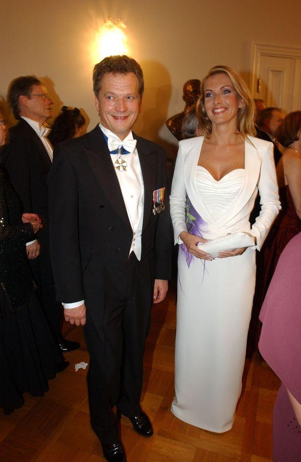 Tanja Karpela ja Sauli Niinistö seurustelivat vuodet 2000-2004. Pariskunnan seurustelu kiinnosti suuresti.