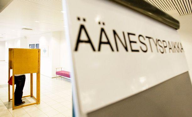 Vaalipiiriuudistuksen myötä asetettavien ehdokkaiden maksimimäärä puoluetta kohti laskee Manner-Suomessa 238:sta 216:een.